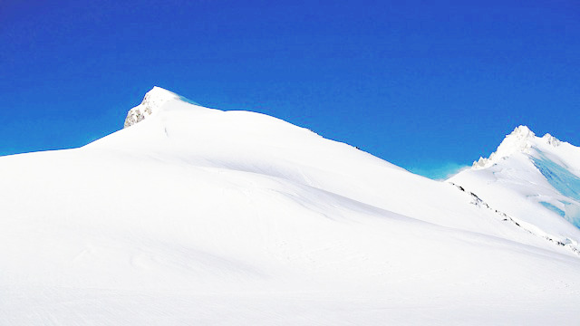 雪よりも白く